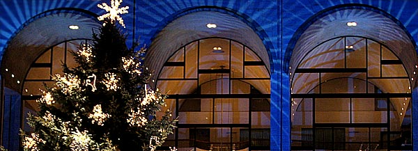 The lighting of the Christmas tree at Lincoln Center. Credit: © Sharene Azimi/DKV Contact: webteam@columbia.edu