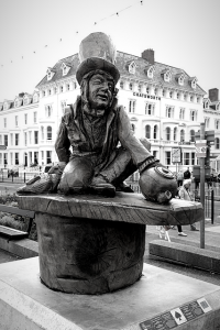 Bronze statue of the Mad Hatter